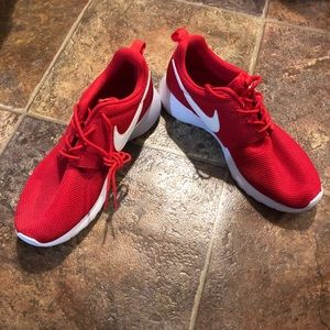New Nike Roshe one